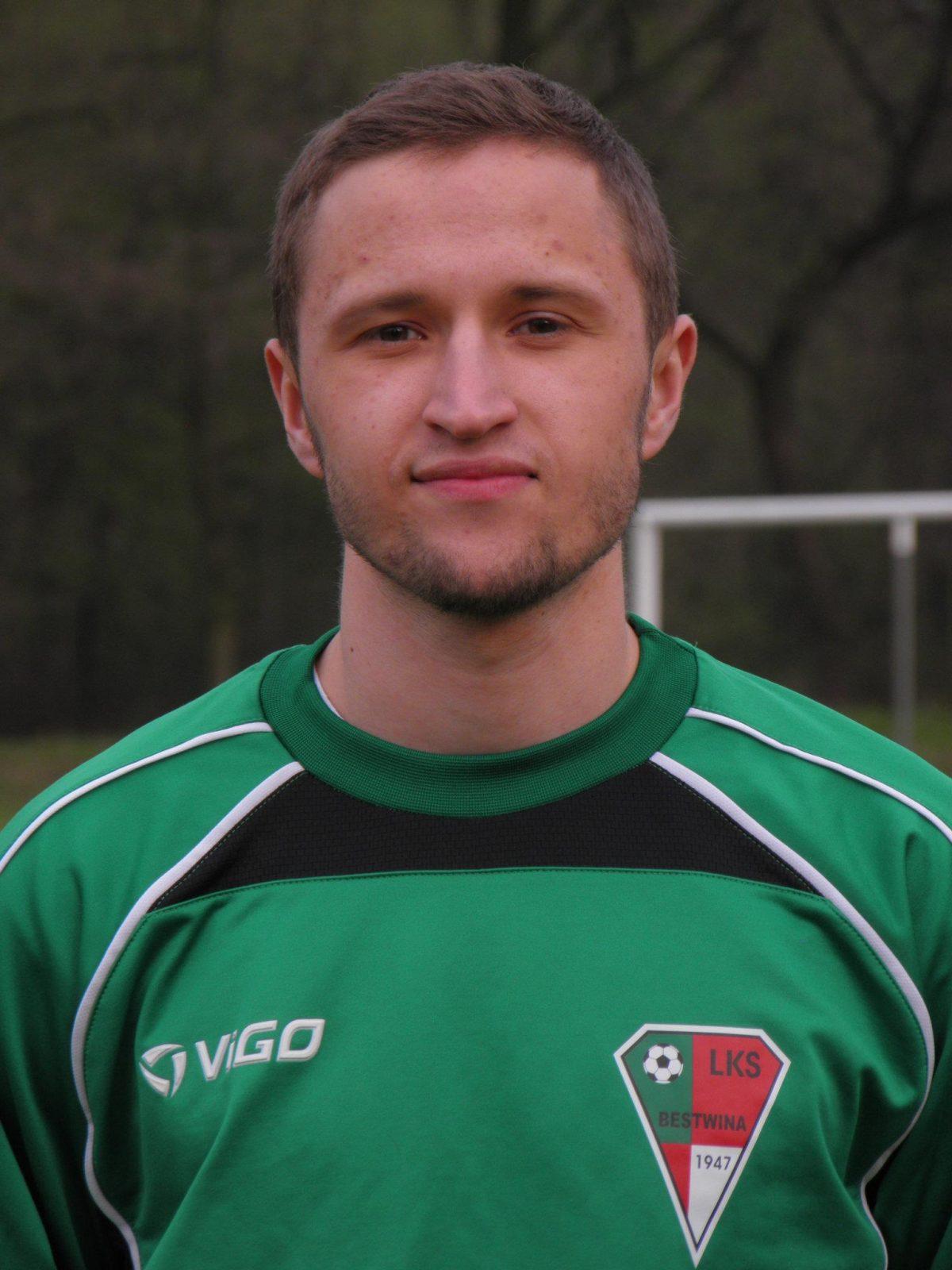 17 Grzegorz Kalamus