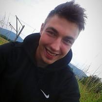 20 Damian Handzlik